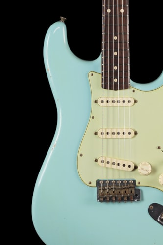 Fender® Custom Shop 1960 Stratocaster® Sonic Blue Matching Headstock Custom Shop 1960 Stratocaster®