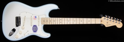Fender® American Deluxe Stratocaster® 2-Tone Silver Blue, Maple (202) American Deluxe Stratocaster®