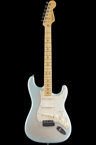 Fender® American Deluxe Stratocaster® 2-Tone Silver Blue, Maple (393) American Deluxe Stratocaster®
