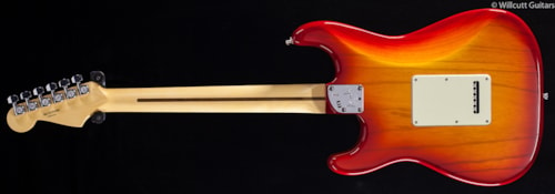 Fender® American Deluxe Stratocaster® Ash Aged Cherry Sunburst, Rosewood (609) American Deluxe Stratocaster®