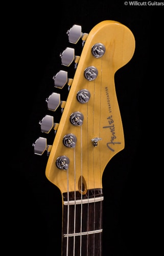 Fender® Limited Edition American Deluxe Mahogany Strat® HSS (929) Limited Edition American Deluxe Mahogany Strat®