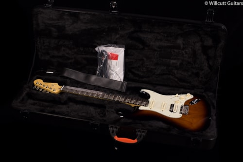 Fender® Limited Edition American Deluxe Mahogany Strat® HSS (932) Limited Edition American Deluxe Mahogany Strat®