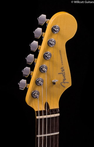 Fender® Limited Edition American Deluxe Mahogany Strat® HSS (936) Limited Edition American Deluxe Mahogany Strat®