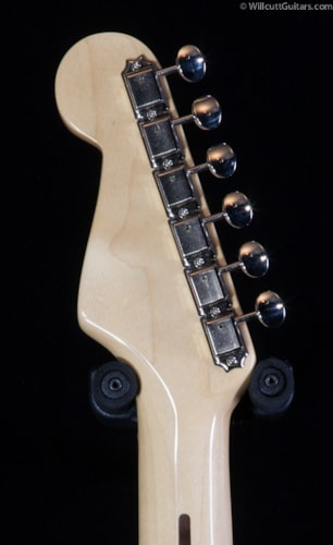 Fender® 60th Anniversary American Vintage 1954 Stratocaster® 2-Color Sunburst (243) 60th Anniversary American Vintage 1954 Stratocaster®