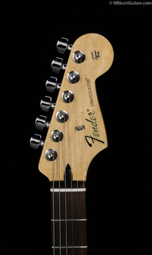 Fender® Special Edition Standard Stratocaster® David Lozeau Artwork Sacred Heart (673) Special Edition Standard Stratocaster® David Lozeau