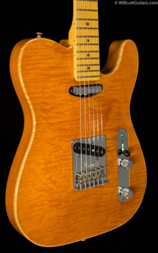 Fender® Select Carved Maple Top Telecaster® Amber (045) Select Carved Maple Top Telecaster®