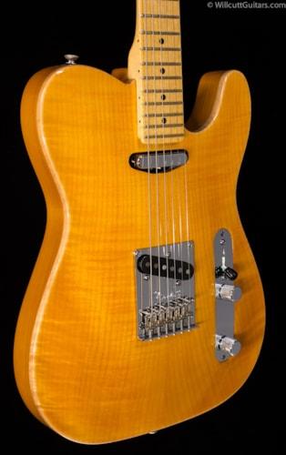 Fender® Select Carved Maple Top Telecaster® Amber (553) Select Carved Maple Top Telecaster®