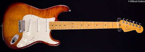 Fender® Select Stratocaster® Dark Cherry Burst, Flamed Maple Top (465) DEMO Select Stratocaster®