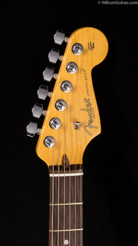Fender® Select Stratocaster® HSS Antique Burst (878) Select Stratocaster®