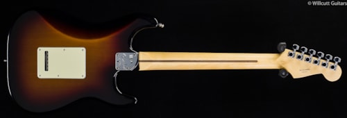 Fender® American Deluxe Stratocaster® 3-Color Sunburst Lefty (861) American Deluxe Stratocaster®