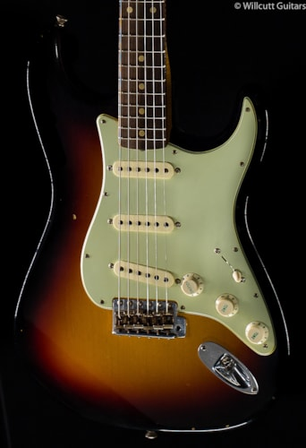 Fender® Custom Shop Willcutt True '62 Stratocaster® 3-Tone Sunburst (273) Custom Shop Willcutt True '62 Stratocaster®
