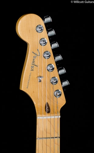 Fender® American Deluxe Stratocaster® 3-Color Sunburst Lefty (849) American Deluxe Stratocaster®