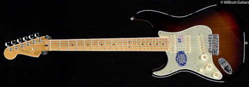 Fender® American Deluxe Stratocaster® 3-Color Sunburst Lefty (712 American Deluxe Stratocaster®
