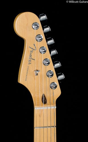 Fender® American Deluxe Stratocaster® 3-Color Sunburst Lefty (857) American Deluxe Stratocaster®