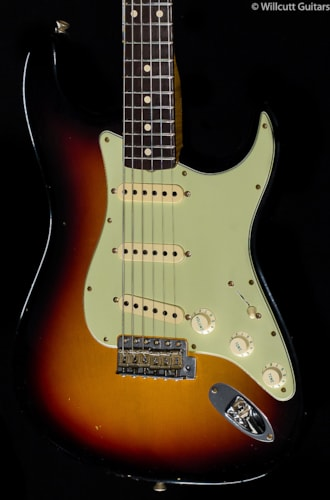 Fender® Custom Shop Willcutt True '62 Stratocaster® 3-Color Sunburst (021) Custom Shop Willcutt True '62 Stratocaster®