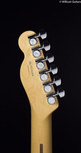 Fender® American Deluxe Telecaster® 3-Color Sunburst Rosewood (864) American Deluxe Telecaster®