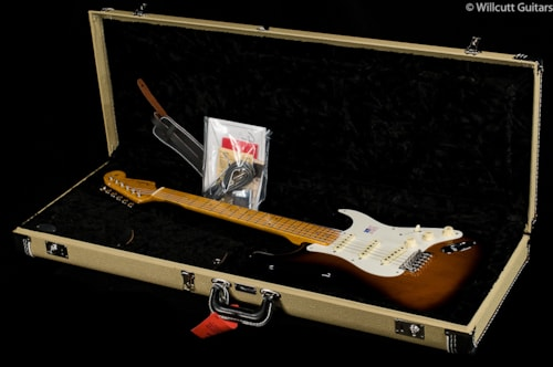 Fender® Eric Johnson Stratocaster® 2-Color Sunburst, Maple (626) Eric Johnson Stratocaster®