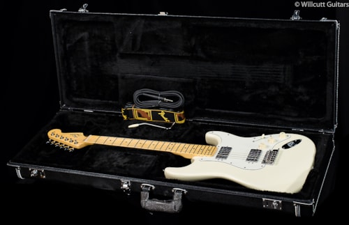 Fender® American Standard Stratocaster® HH Olympic White (920) American Standard Stratocaster®