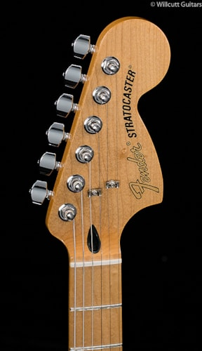 Fender® Deluxe Roadhouse™ Stratocaster® Vintage White (755) Deluxe Roadhouse™ Stratocaster®