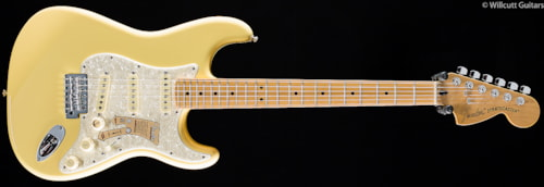 Fender® Deluxe Roadhouse™ Stratocaster® Vintage White (616) Deluxe Roadhouse™ Stratocaster®