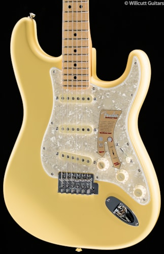 Fender® Deluxe Roadhouse™ Stratocaster® Vintage White (754) Deluxe Roadhouse™ Stratocaster®
