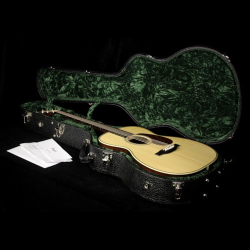 Bourgeois Used Bourgeois Vintage 00 Acoustic Guitar Natural