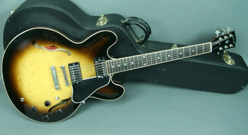 2006 Gibson ES-335 Dot Neck Semi-Hollow Electric Guitar Sunburst w/OHSC