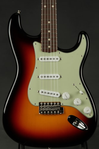 Fender® Custom Shop 1962 Stratocaster® NOS - Three Color Sunburst
