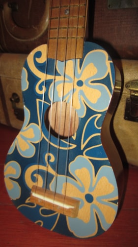~1965 Hawaii Soprano Ukulele