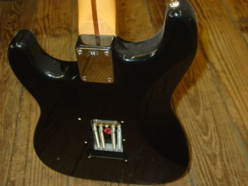 2000 Fender® Stratocaster® HSS Mexico Electric