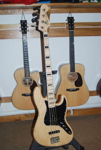 2011 Fender® 1975 Reissue Jazz Bass®