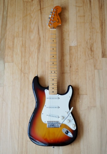 1975 Fender® Stratocaster® Vintage Electric Guitar Sunburst Light Ash Body