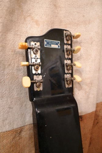 1962 Teisco Model R 7-String Lap Steel