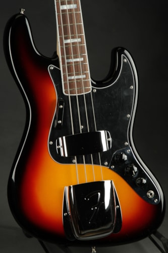 Fender® American Vintage '74 Jazz Bass® - Three Tone Sunburst