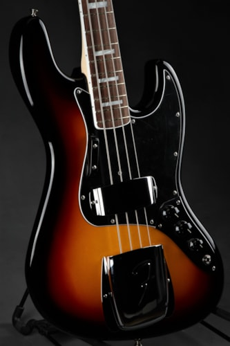 Fender American Vintage '74 Jazz Bass - Three Tone Sunburst