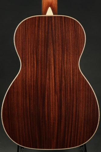 Larrivee P-09 Moonwood Deluxe - NAMM Limited Edition