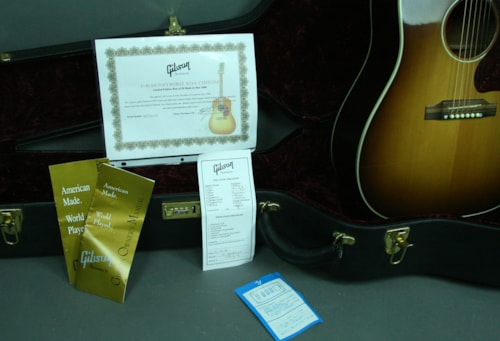 2006 Gibson J-45 Limited Edition Custom Shop Koa Honey Burst Acoustic Gu