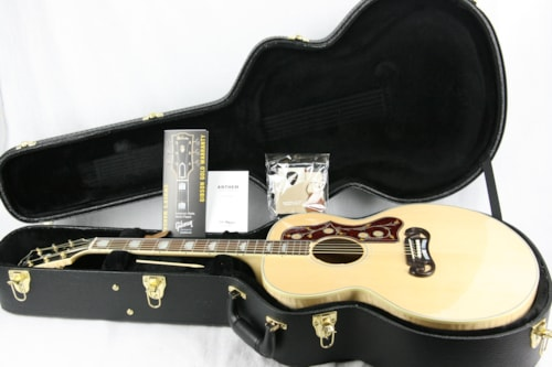 2016 Gibson SJ-200 Natural Jumbo Acoustic Guitar with Case! J200 j45 j50