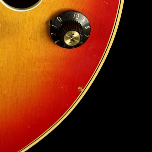 Gibson Used 1968 Gibson Barney Kessel Custom Electric Guitar Cherry Sunburst