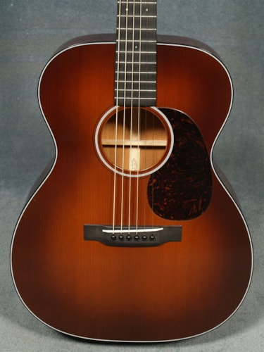 2017 Martin OM-18 AUTHENTIC 1933 GUITAR & CASE with VTS and VINTAGE GLOSS FINISH