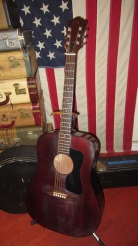 1977 Guild® D-25 M Dreadnought Acoustic