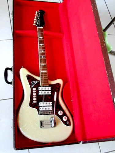 "~1965 EKO model 500 ""Pearloid"" Gui model 500 ""Pearloid"" Guitar"