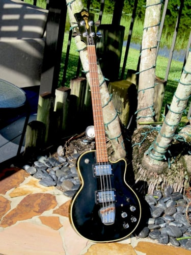 1976 Guild® M-85 I I Songbird Bass