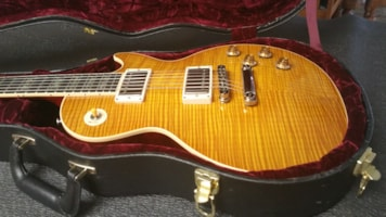 1996 Gibson Custom Shop Elegant