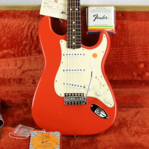 1988 Fender® American Vintage Reissue '62 Stratocaster® FIESTA RED Near Mint w/ OHSC tags! AVRI USA