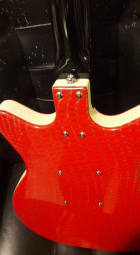 2014 Danelectro (out of production) DC-2  gator