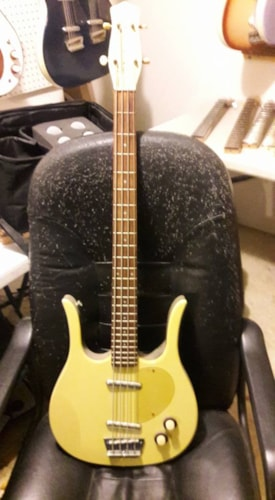 2002 Danelectro Longhorn bass daddy-o  yellow from