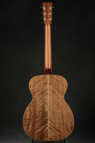 Bourgeois 00 Custom - Redwood/English Walnut