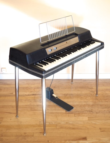 1978 Wurlitzer 200A Vintage Electric Piano 200 w/ Legs & Pedal, Serviced