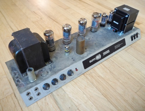 1969 Sunn® 2000S Vintage Tube Amplifier Bass Head & 2x15 Speaker Cab